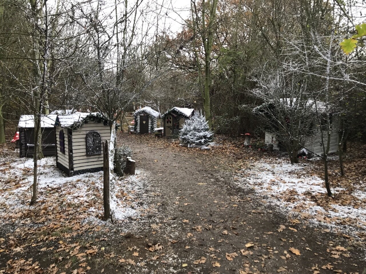 Winter cabins An Elf's Wish at Nevendon Manor